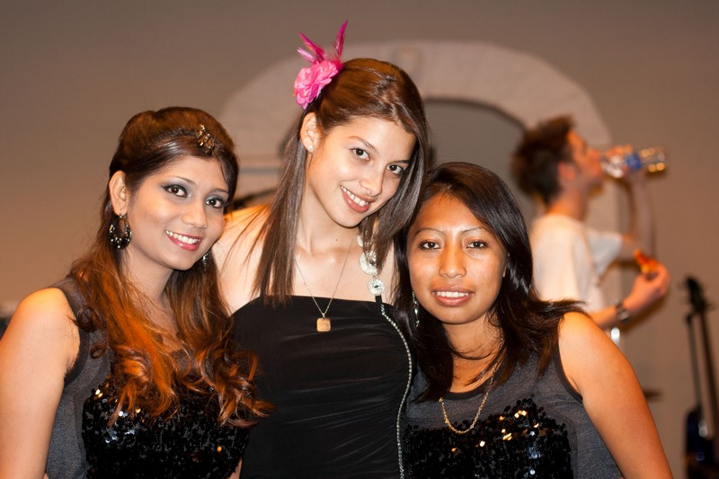 Farah, Massiel, and Reina